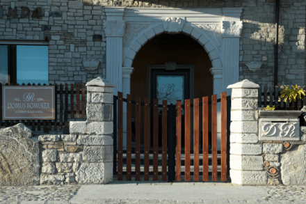 Entrata Domus Romulea