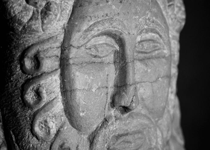 scultura_in_pietra_domus_romulea